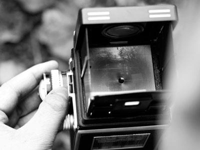 Die Rolleiflex T1 beim Fotografieren