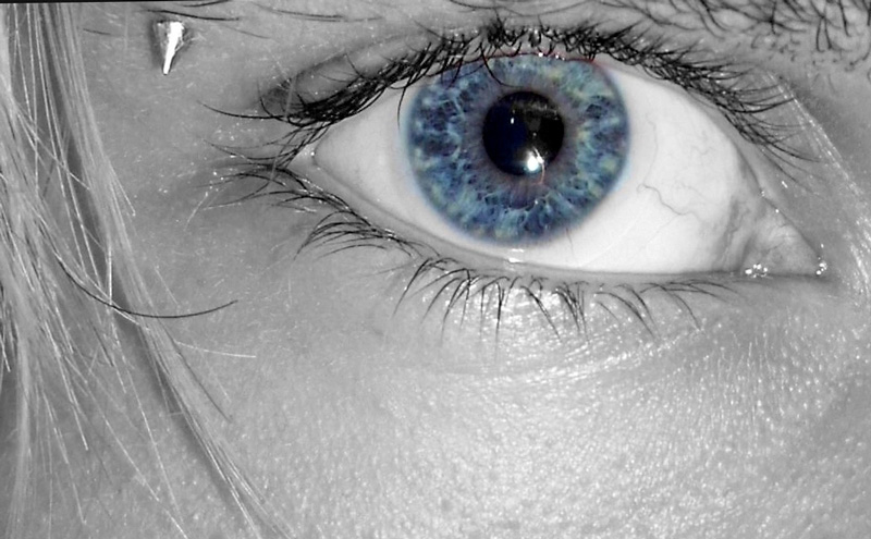 Ein Foto von meinem Auge, mit dem ich alles genaustens unter die Lupe nehme.