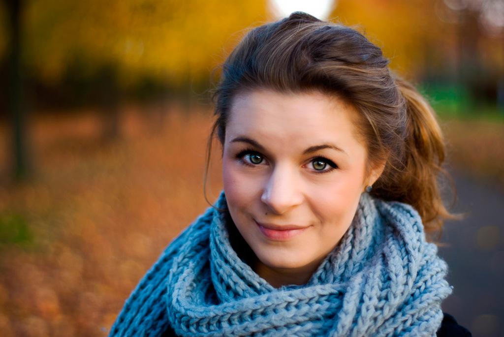 Farbenfrohe Herbstfotografie mit Anna